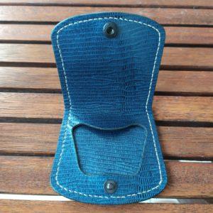 porte monnaie en cuir bleu iguane